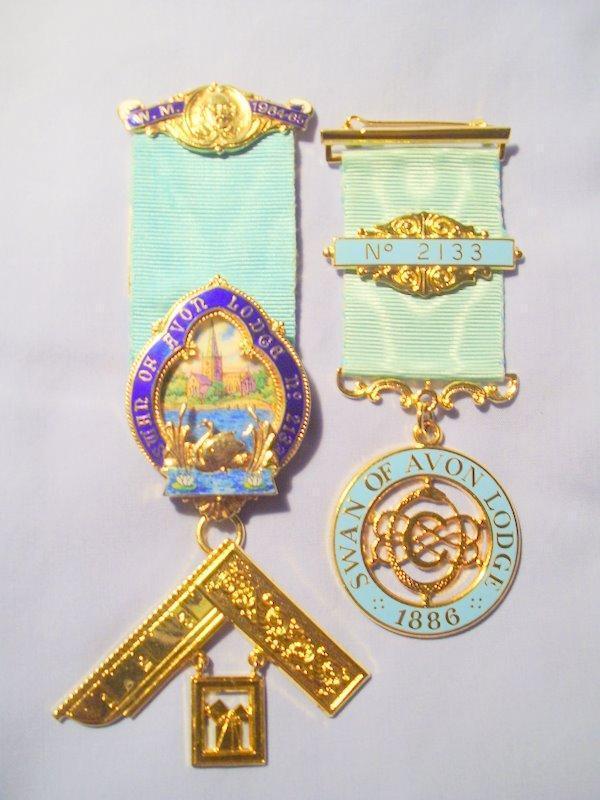 Swan-Jewels.JPG